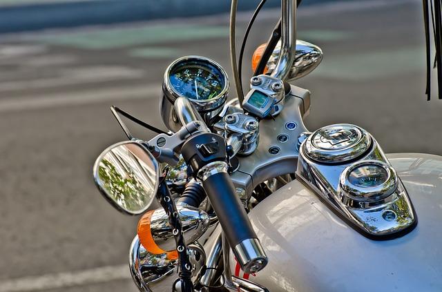 řidítka motorky